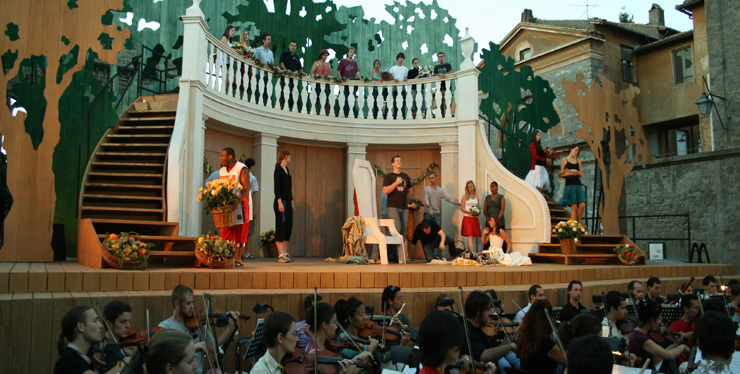 Rehearsing Le Nozze di Figaro